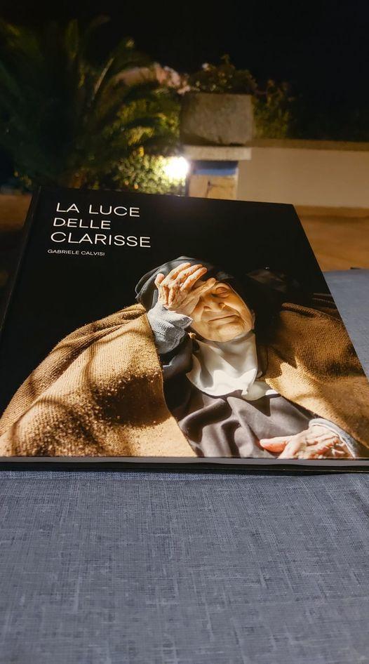 Copertina libro la Luce delle Clarisse