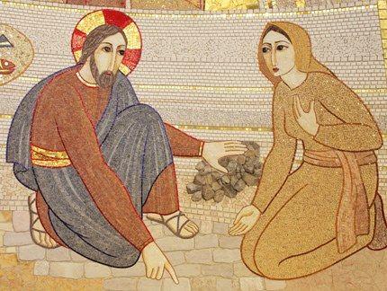 M. Rupnik, Gesù e l'adultera chiesa di San Pio da Pietrelcina, San Giovanni Rotondo